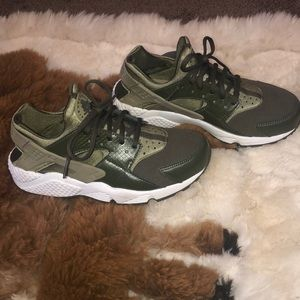 Olive green huaraches